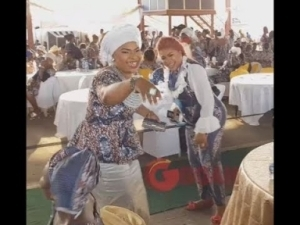 Video: Laide Bakare and Kemi Afolabi Hugs Each Other Passionately As She Kneels To Greet Elderly Yoruba Actress Present